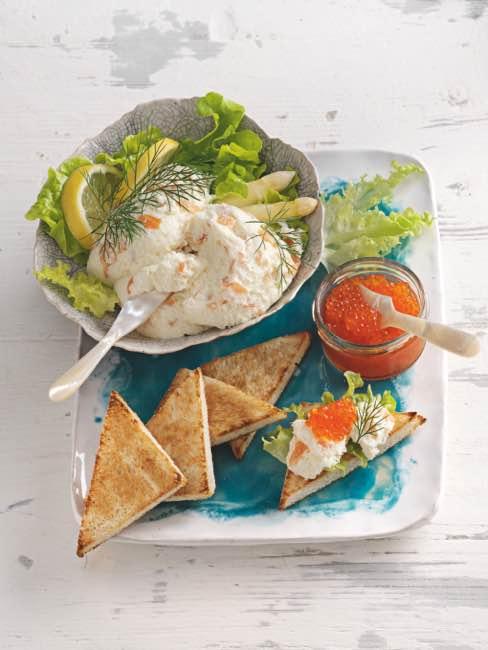 Spargelmousse mit Forellenkaviar